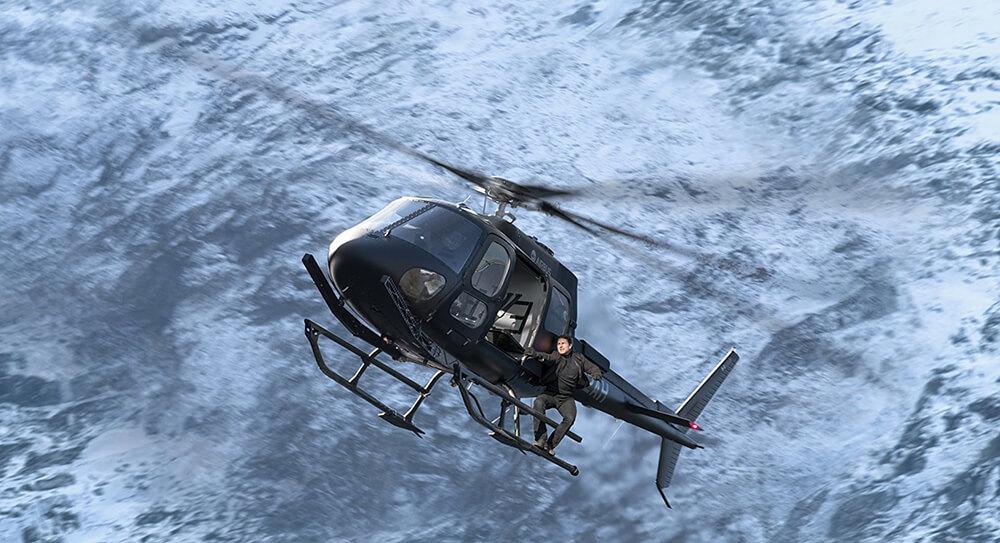 Tom Cruise luôn biết cách mang đến những pha hành động nghẹt thở cho khán giả của Mission: Impossible – Fallout