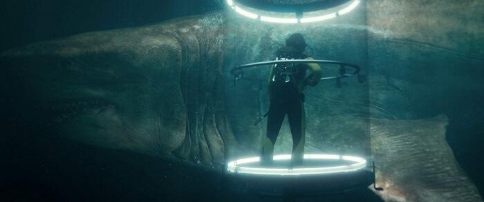 Liệu chiếc lồng nhỏ bé này có an toàn trước cá mập siêu bạo chúa? - The Meg