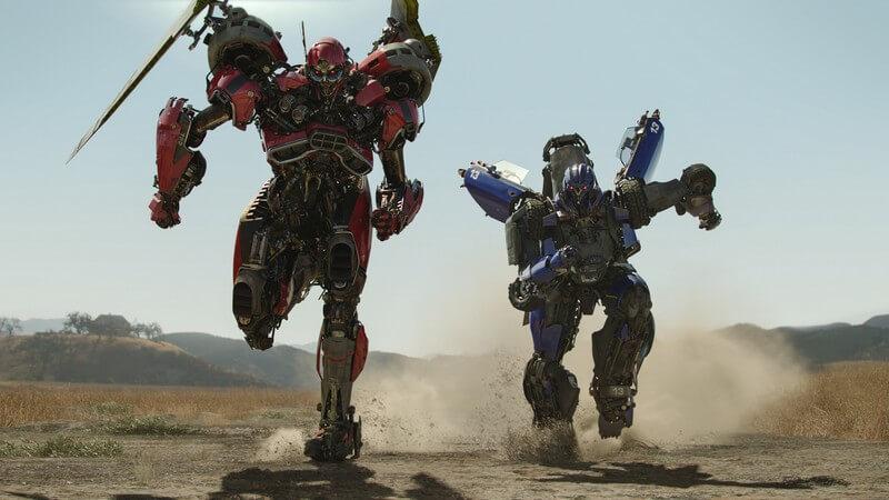 Từ trái qua phải: Shatter và Dropkick (Kẻ thù của Bumblebee).