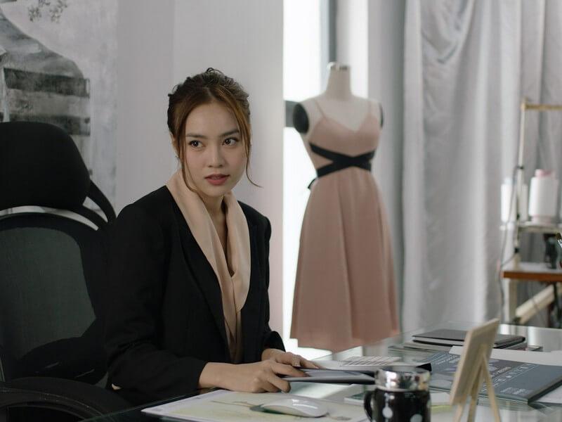 Lan Ngọc hóa thân vào nhân vật Linh - một người khổ sở vì tình yêu - Cua Lại Vợ Bầu