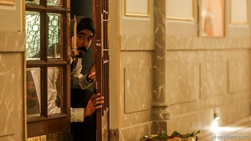 Anh nhân viên khách sạn có tâm nhất quả đất - Hotel Mumbai