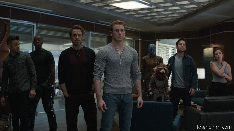 Liệu những người còn của Avengers lại có làm nên trò trống gì?