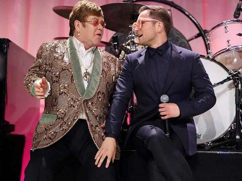 "Elton John thật (bên trái) và Elton John ""giả"""