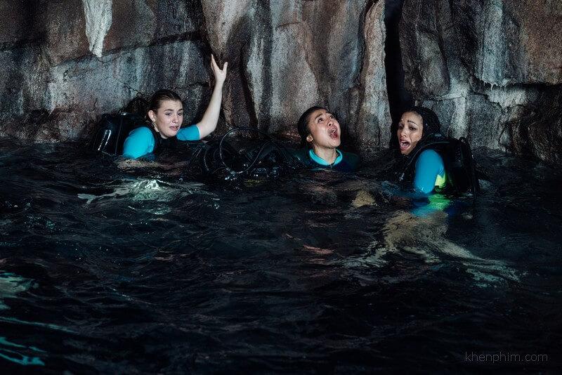 Làm thế nào các cô gái có thể thoát khỏi hàm cá mập? - 47 Meters Down