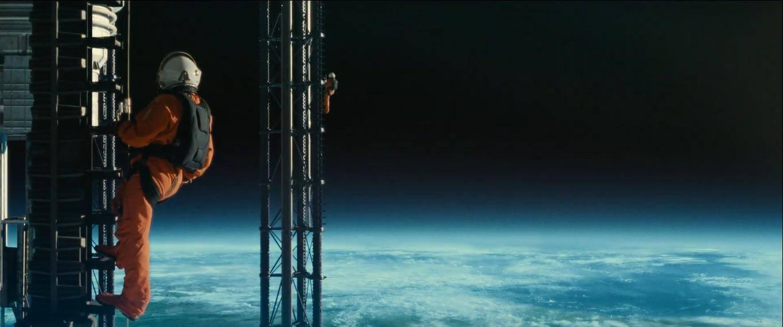 Cảnh ở trong không gian được làm rất đẹp