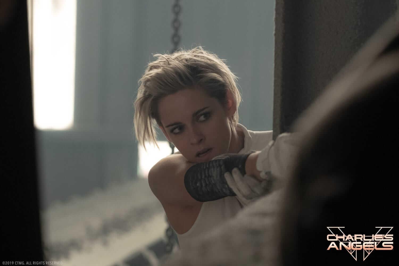 Nữ diễn viên Kristen Stewart gần như gánh cả phim - Charlie's Angels