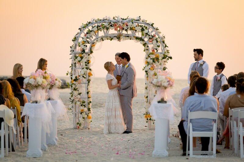Cảnh đám cưới tuy dàn dựng nhìn đơn giản nhưng đẹp - Vì anh vẫn tin