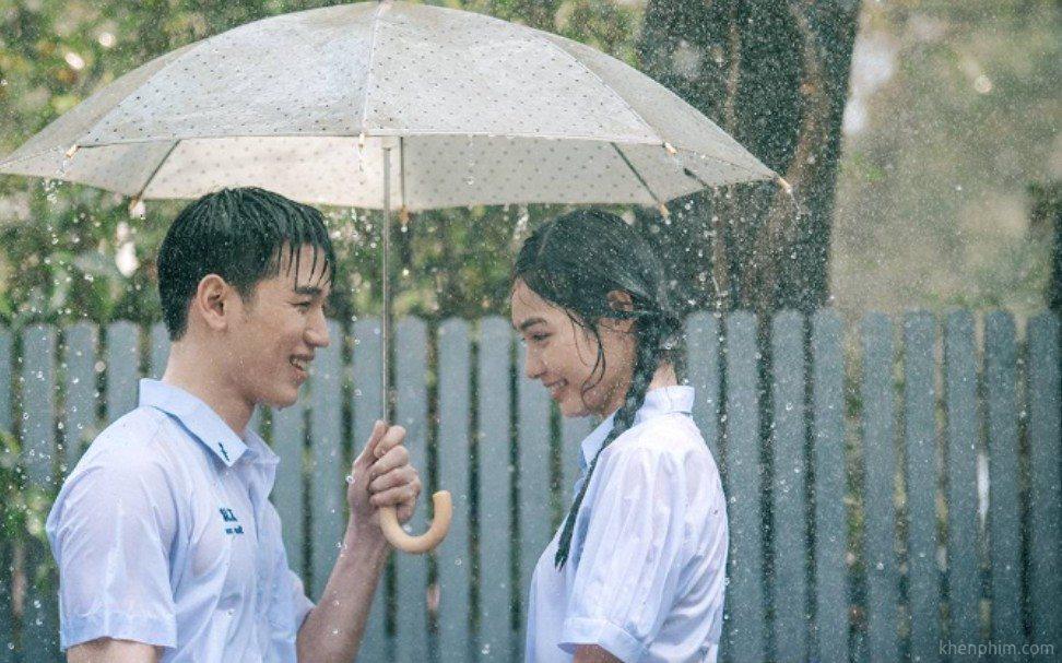 Phim có nhiều cảnh quay lãng mạn trong cơn mưa tình đầu