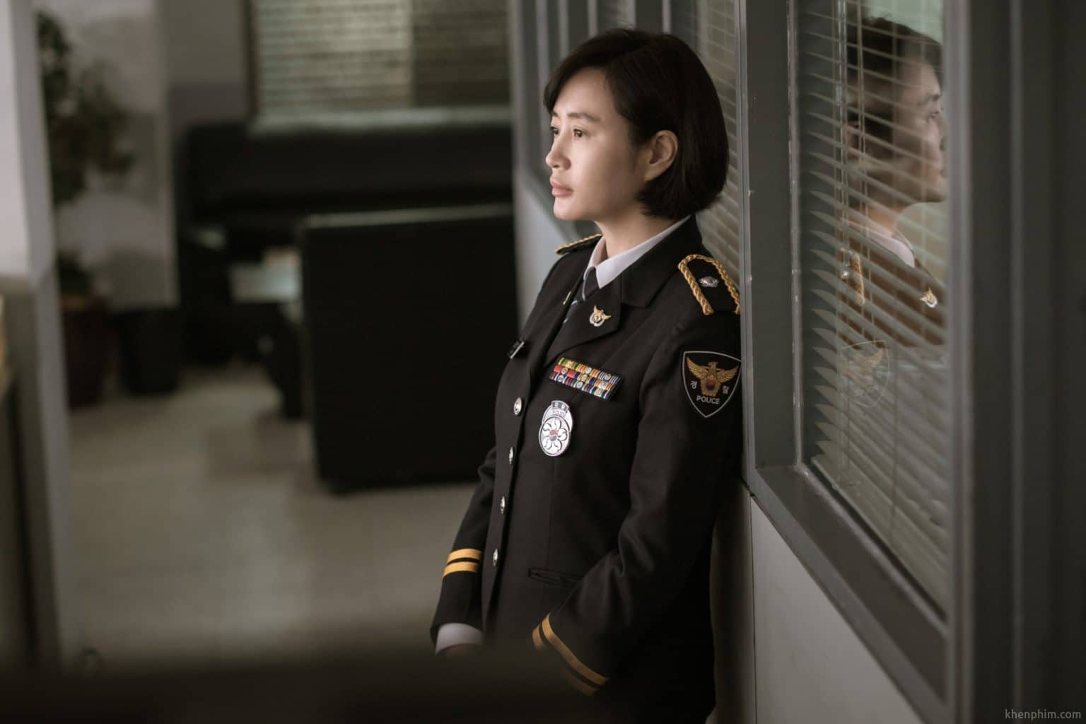 Nữ cảnh sát Kim Hyun Soo trong phim Di Nguyện Bí Ẩn