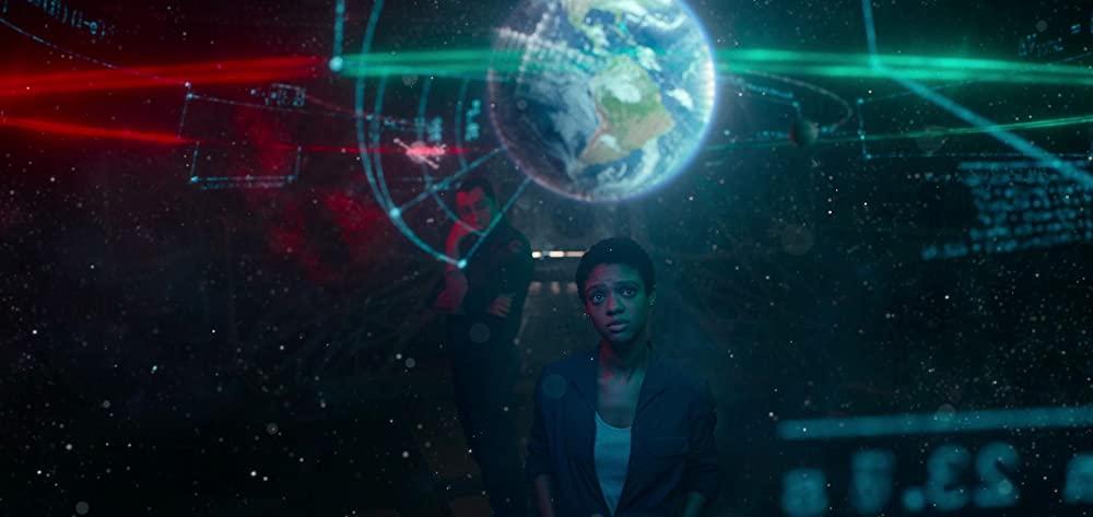 Nữ phi hành gia đang tính toán đường về Trái Đất - The Midnight Sky (Lấp Lánh Trời Đêm)