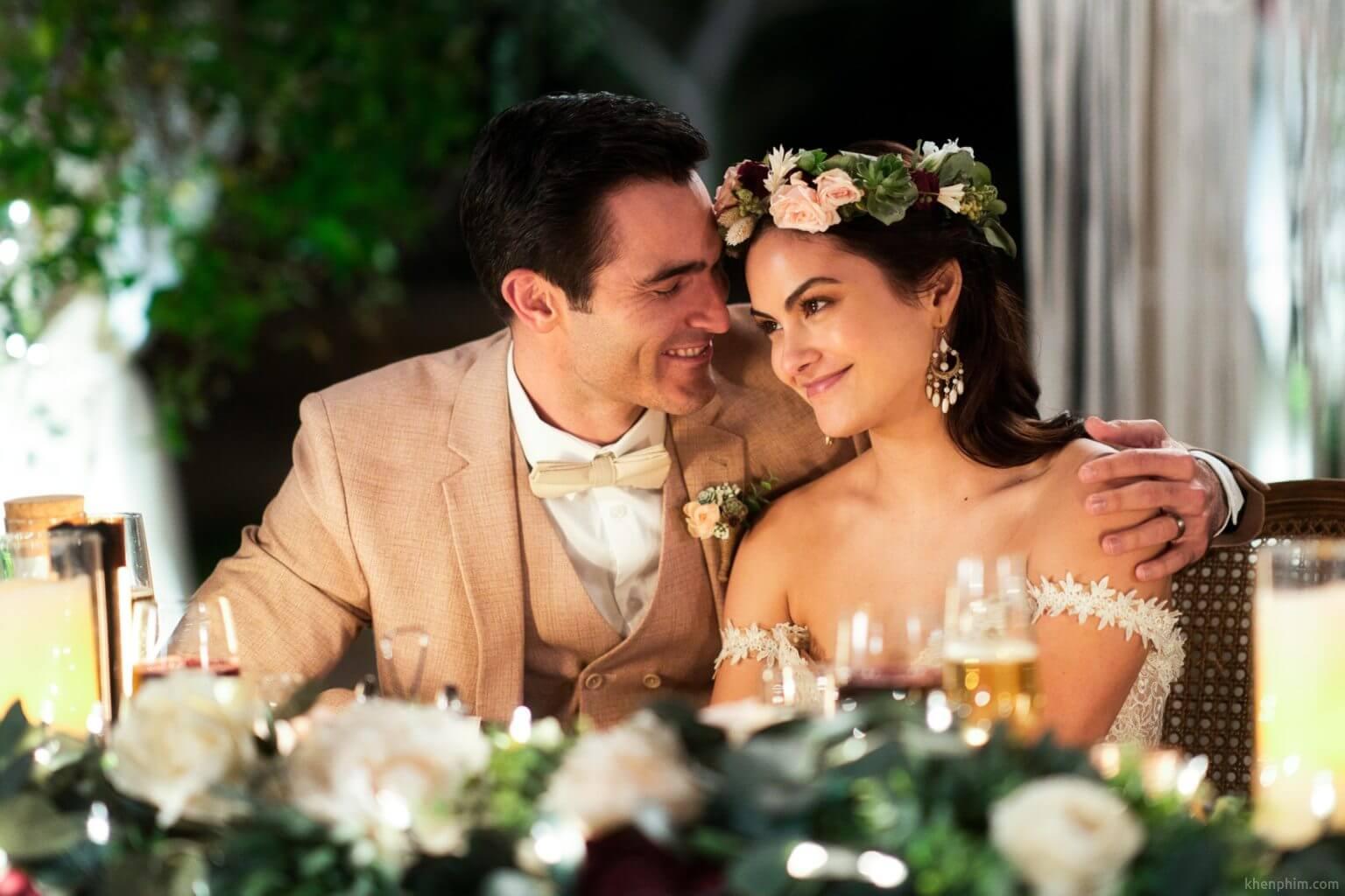 Vòng lặp trong phim Palm Springs có liên quan đến một lễ cưới