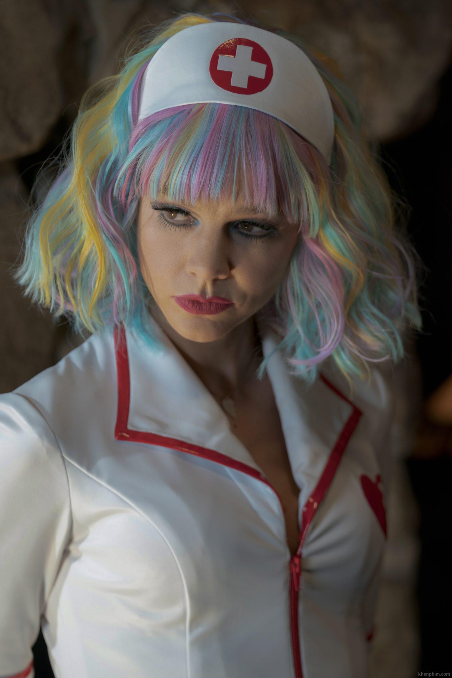 Màn hóa thân thành y tá đẹp và nguy hiểm của nữ chính - phim Cô Gái Trẻ Hứa Hẹn (Promising Young Woman)